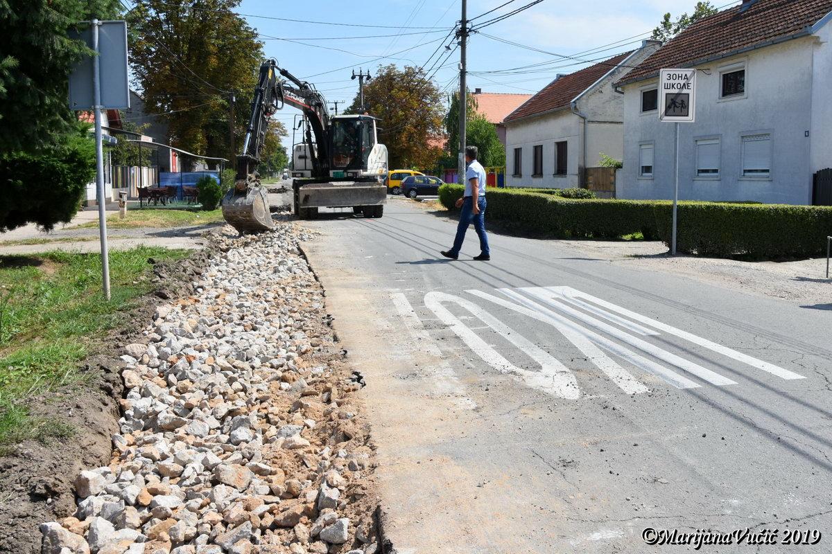 Pocela Rekonstrukcija Zemunske Ulice U Dobanovcima Opstina Surcin